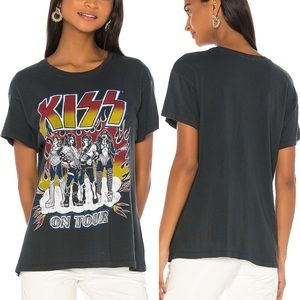 Kiss Heavens on Fire Tour Band Tee Daydreamer NWT